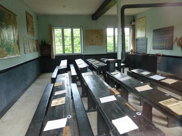 Epineuil--une-salle-de-classe