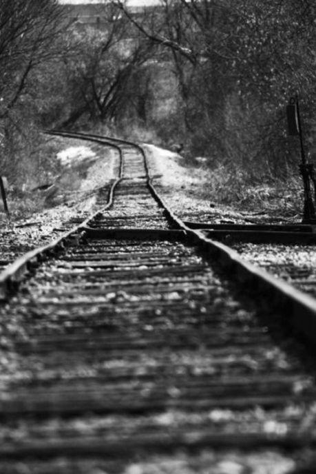 17ab75dfde85e0fe7b81eb788214b408--railroad-photography-white-photography