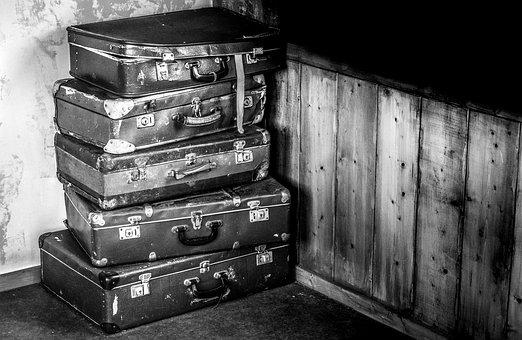 suitcases-2525193__340